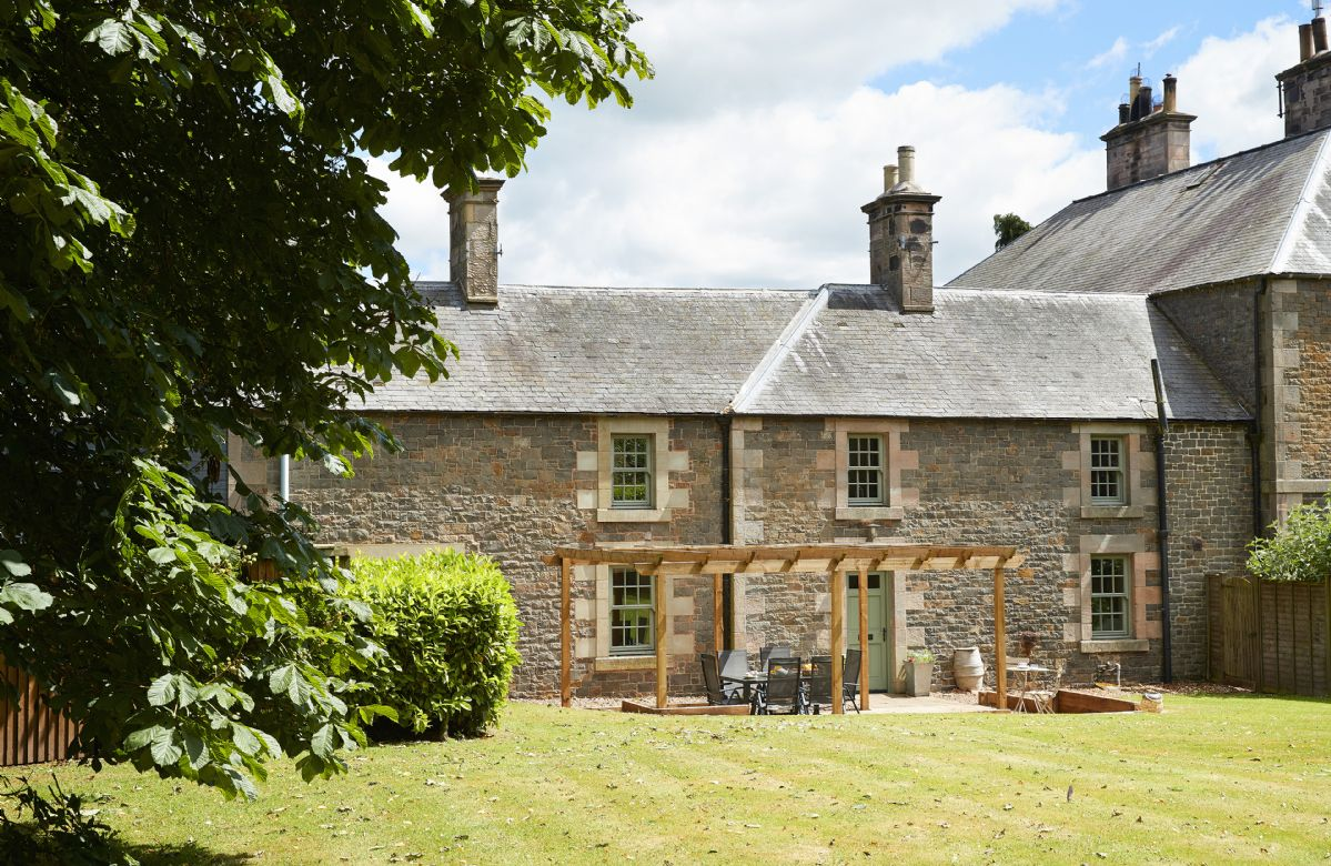 Click here for more about Courtyard House