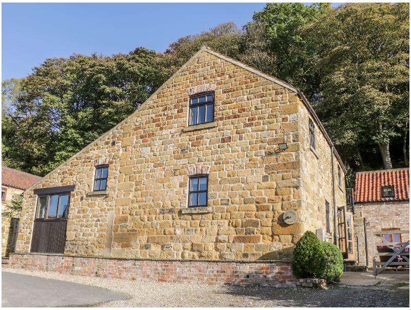 Click here for more about Woodside Barn